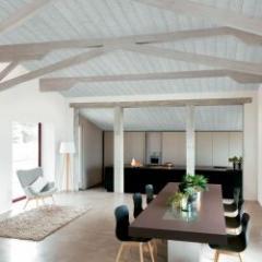 Panneau de toiture avec décoration intérieure intégrée