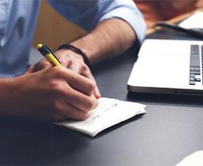 Contrat, fusion des instances sociales... que prévoit la loi sur les fonctionnaires ?