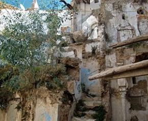Cinq morts dans l'effondrement d'un immeuble à la Casbah d'Alger
