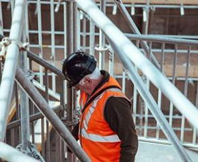 +16% du volume d'offres d'emploi dans le secteur de la construction en mars...