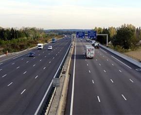 """Allongement des concessions d'autoroutes: une """"solution de facilité"""" selon la Cour..."""