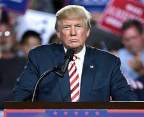 Trump et les démocrates vont travailler à un plan d'infrastructures de 2.000...