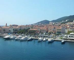 Escroquerie immobilière en Corse : prison ferme pour un entrepreneur et un notaire