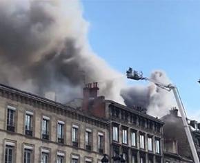 Un violent incendie dans le centre-ville de Bordeaux fait des dégâts importants