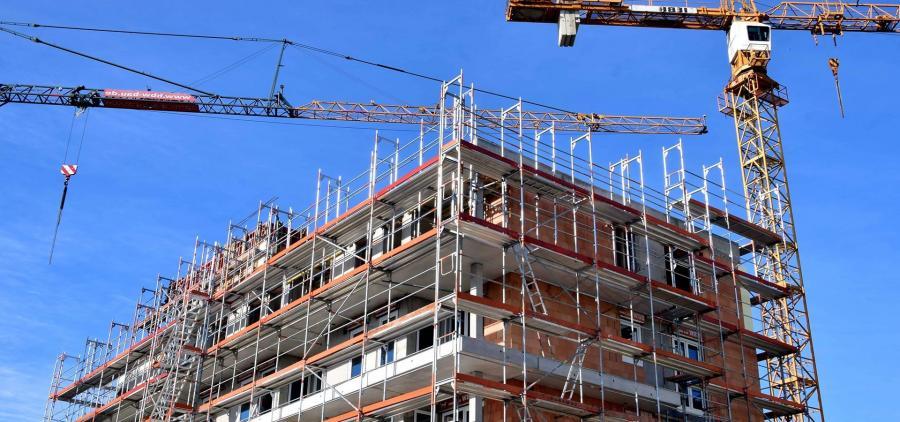 Les mises en chantier et permis de construire de logements neufs poursuivent leur baisse