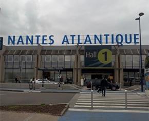 Concertation publique sur le projet de réaménagement de l'aéroport de Nantes...