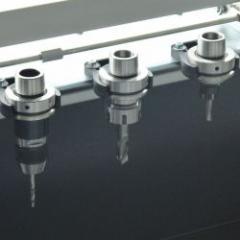 Centre d'usinage 3 axes pour travailler de manière économique des profilés en aluminium, PVC et acier