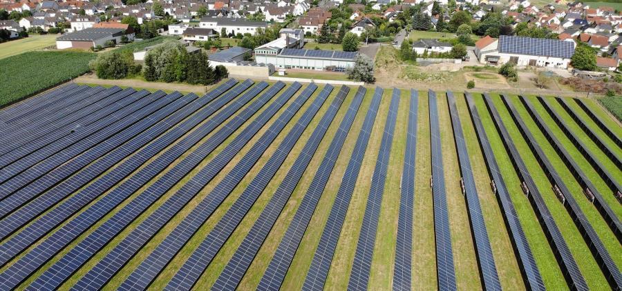 Vers des projets écologiques de plus grande envergure grâce à la baisse des coûts des énergies renouvelables