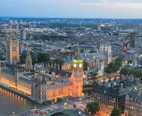 Le Royaume-Uni s'engage à atteindre la neutralité carbone d'ici 2050