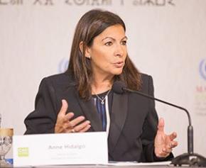 """Anne Hidalgo annonce la création de """"forêts urbaines"""" dans Paris"""