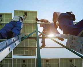 Les énergies renouvelables ont fourni 11 millions d'emplois en 2018 dans le...