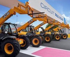 Des machines JCB sur la grille de départ du Grand Prix de France