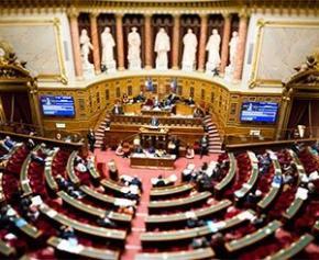 Feu vert du Sénat à un nouveau cadre de dialogue social dans la fonction...