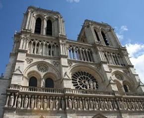 Un article clé du projet de loi Notre-Dame supprimé en commission à l'Assemblée...