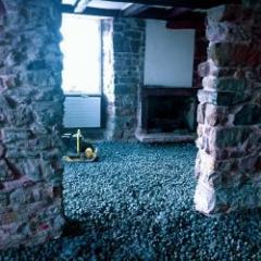 Isolation sous fondation en granulat de verre cellulaire pour la réhabilitation du bâti ancien