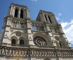 Plomb, échafaudages et perches à selfie : 3 mois après l'incendie de Notre-Dame