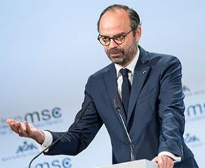 """Édouard Philippe demande à l'industrie de se mobiliser dans le cadre d'un """"Pacte..."""
