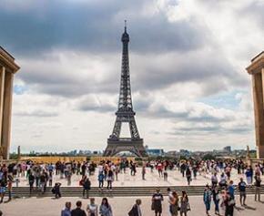 Paris cherche à s'adapter aux canicules tout en préservant son patrimoine architectural