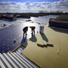 Solutions d'isolation pour bâtiments commerciaux industriels et de stockage