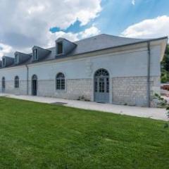Ardoise naturelle d'exception pour la rénovation des toitures en secteur protégé