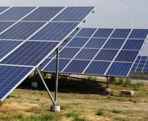 L'Inde compte construire des parcs solaires et éoliens à la frontière avec le Pakistan