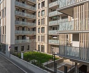 À Paris, un immeuble habillé de Trespa Meteon® décor bois fait dialoguer nature...