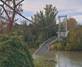L'effondrement d'un pont près de Toulouse fait un mort et au moins un disparu