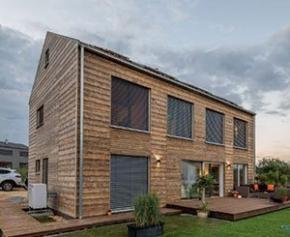Une maison en bois Kebony - un concept rayonnant
