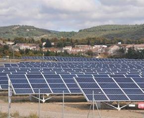 Inauguration de la plus grande centrale solaire avec stockage de France en...