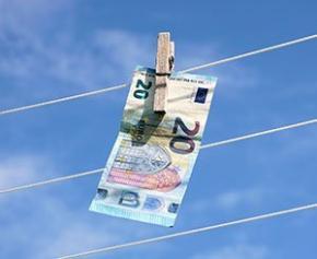 Blanchiment d'argent : Tracfin note une amélioration de la coopération des...