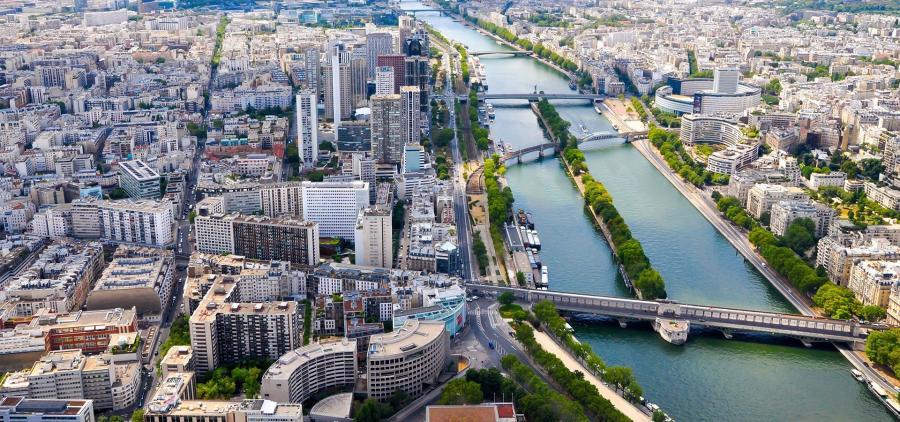 Huit grandes villes européennes appellent l'UE à agir en urgence pour mieux réglementer les locations type Airbnb