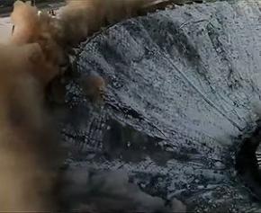 Un mort dans l'effondrement spectaculaire d'un complexe sportif en Russie