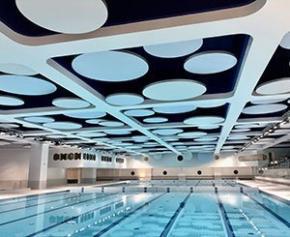 La piscine olympique de Monaco revêt de nouveaux atours