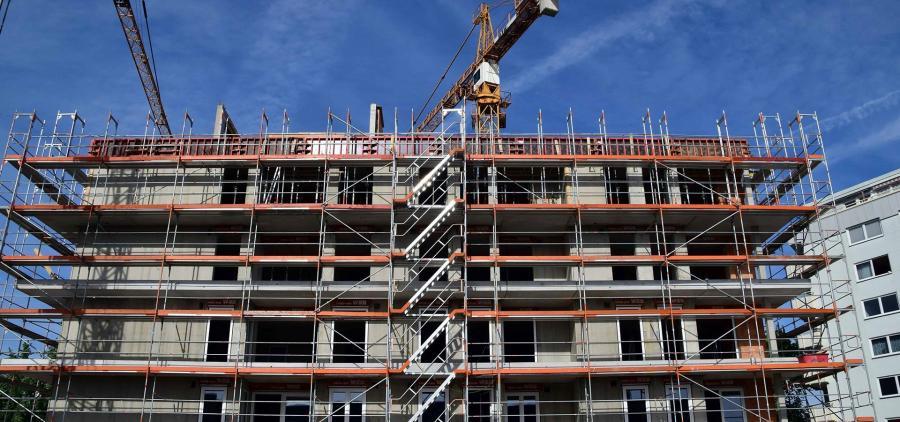 La construction de logements poursuit sa reprise en janvier