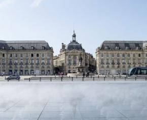 Transformée et embellie, Bordeaux a grandi et ses problèmes aussi