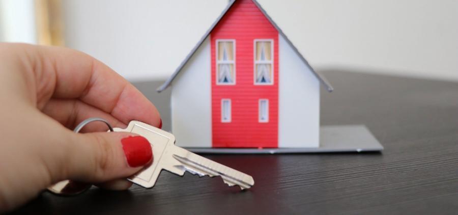 Les femmes sont-elles pénalisées dans l'accès au crédit immobilier ?