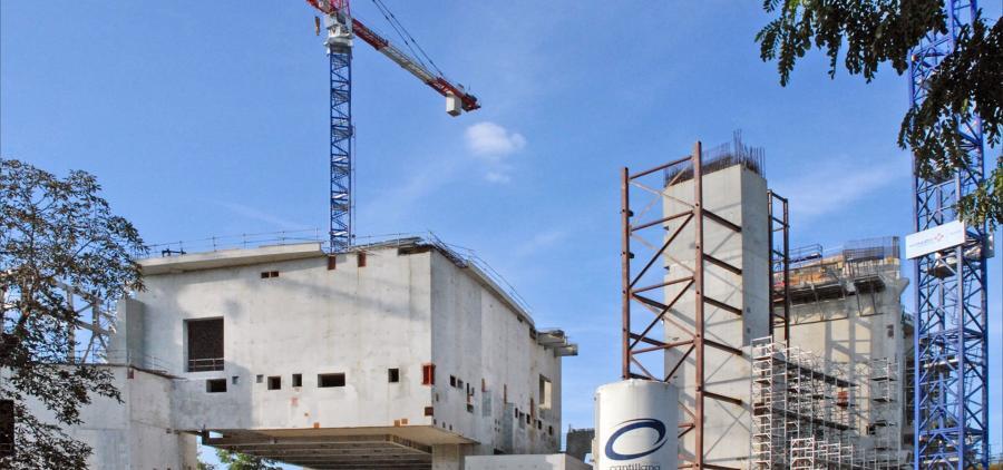 Le secteur du bâtiment s'insurge contre la décision du gouvernement de poursuivre les chantiers