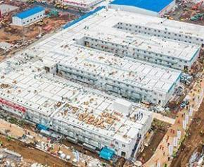 """Près de Moscou, la course contre la montre pour bâtir un hôpital """"à la chinoise"""""""