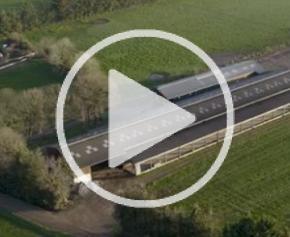 Rallye des bâtiments laitiers : les éleveurs parlent aux éleveurs
