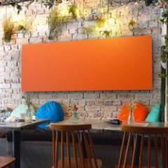 Panneau acoustique pour réduire le bruit dans les espaces de travail ou de détente