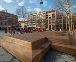 Espace de vie urbain en bois Kebony dans le centre ville de Cagnes sur Mer