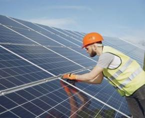 La filière solaire demande d'appliquer rapidement les propositions de la...