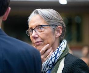 Emploi, assurance chômage, retraites... les dossiers sur la table d'Elisabeth Borne