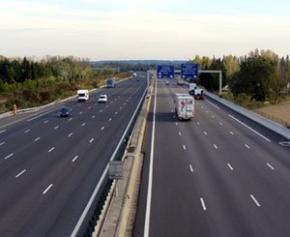 Concessions d'autoroutes : le Conseil d'État rejette la requête d'un militant...