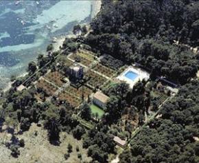 L'unique propriété privée de l'île Sainte-Marguerite dans la baie de Cannes change...