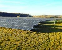 Des panneaux solaires, oui, mais pas à la place des champs, disent les chambres d'agriculture