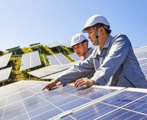 L'emploi dans les énergies renouvelables continue de croître dans le monde...