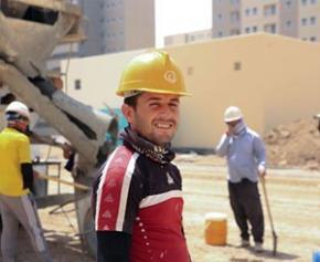 """Le gouvernement renforce les """"emplois francs"""" pour l'embauche des jeunes..."""
