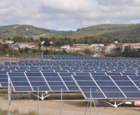 Le gouvernement va revoir à la baisse les aides aux parcs solaires provocant la...