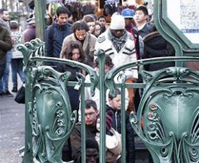 Une large majorité de Français envisagent une crise économique majeure et...
